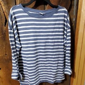 Long sleeve, striped , oversized cotton tshirt.